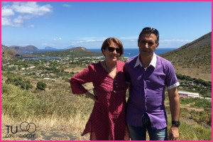 Io e Anthoni con vista sull'arcipelago delle Eolie